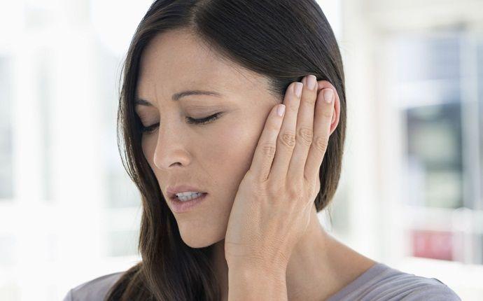 Bolesť vystreľujúca do uší